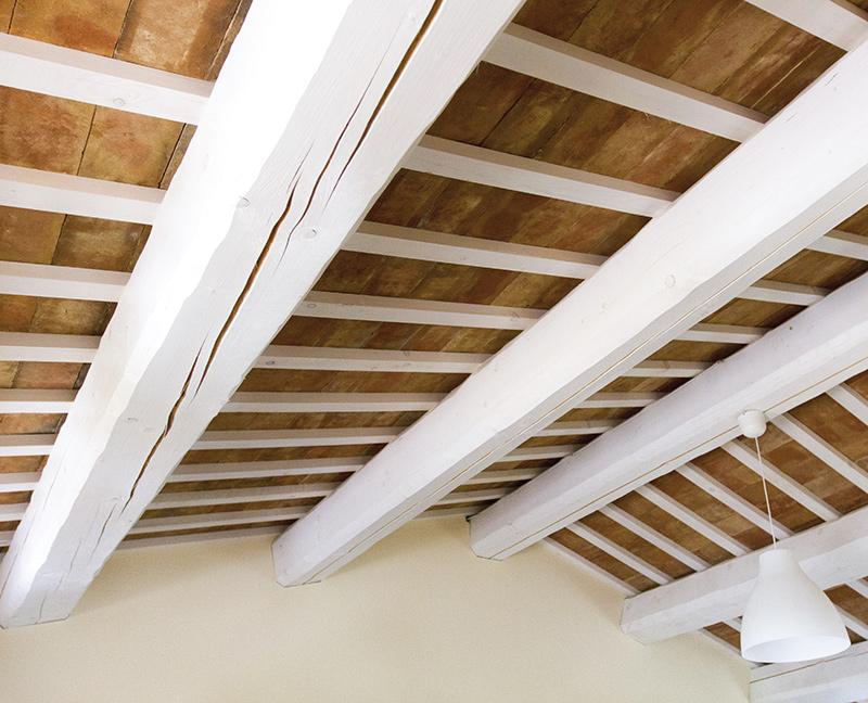 Tetto in legno sbiancato em24 pineglen for Montaggio tetto in legno ventilato