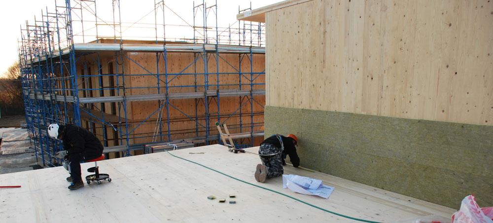 Fissaggio del solaio e dell'isolante esterno