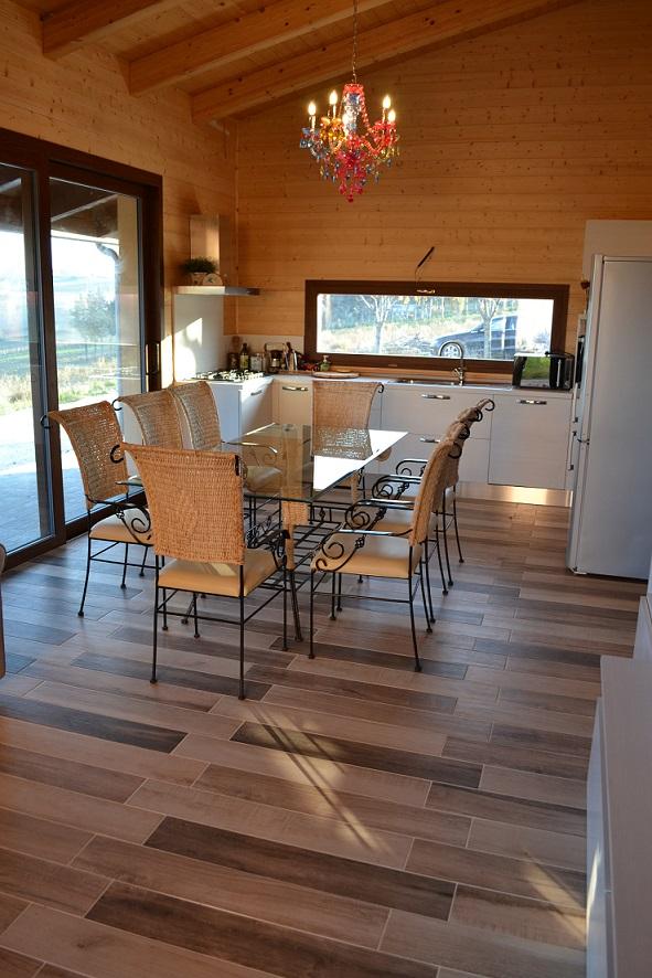 Pavimento: gres porcellanato effetto legno Isla Spa