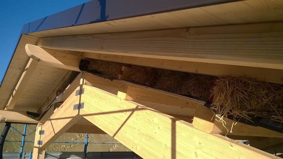 Particolare della sezione del tetto prima della tamponatura laterale