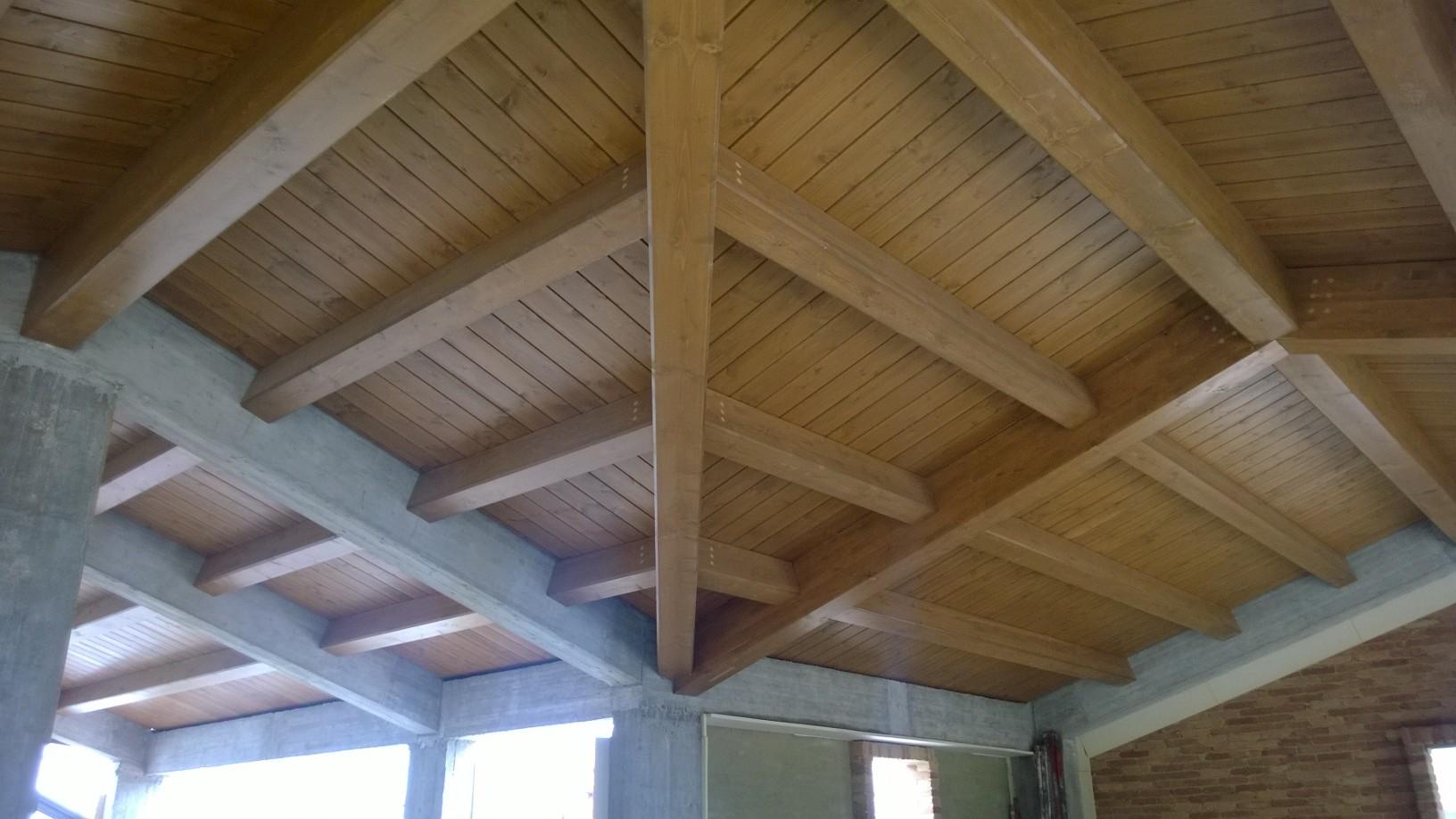 Tetti solai in legno e finiture interne gallery edilizia strutture in legno finiture e arredi - Legno sbiancato tetto ...