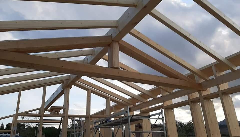 Cingoli (MC): nuova casa in legno e paglia